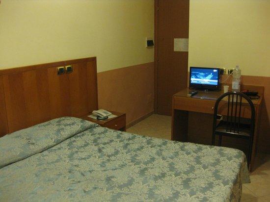 Hotel Zara: room