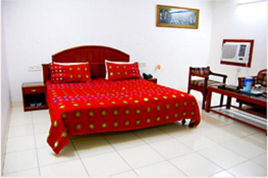 Hotel Victoria International: Room