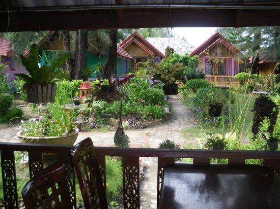 Lanta Villa Resort : vue de la salle à manger
