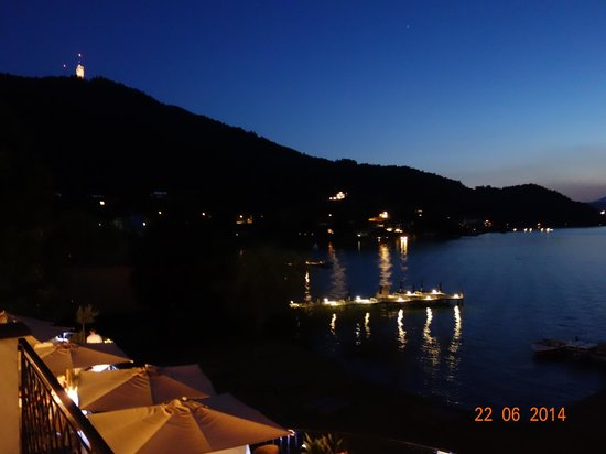 Hotel Linde: at night