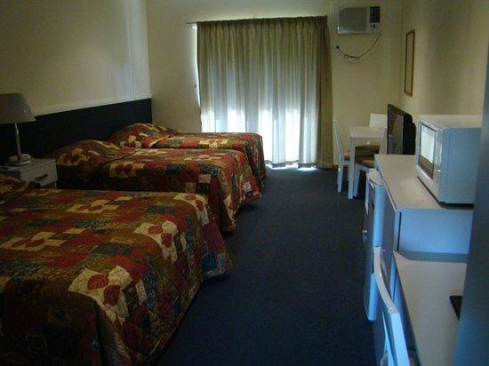 Dunsborough Central Motel: Family Motel Room