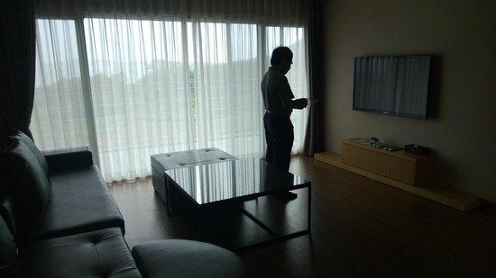 Y Resort Jeju: Living area