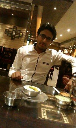 Sagar Ratna : in Sagr Ratna