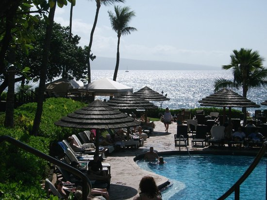 The Westin Maui Resort & Spa : A view of the pool from our balcony.