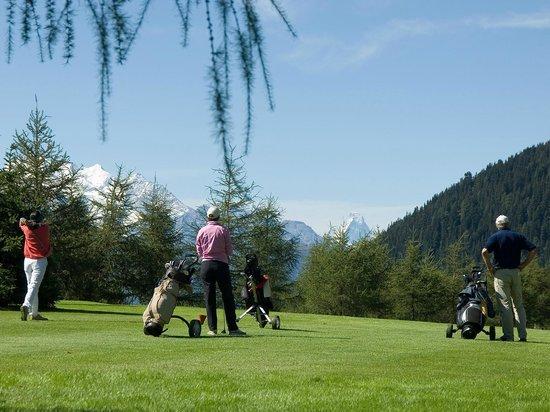 Matterhorn Golf Hotel - Golf Area