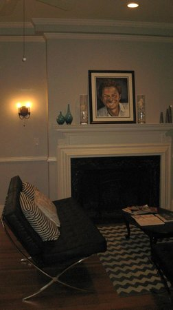 HI-Houston: The Morty Rich Hostel: Living