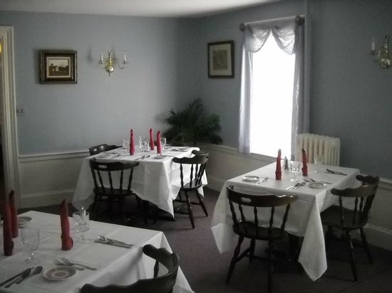 Tom's Homestead 1821 Restaurant: DINNING ROOM
