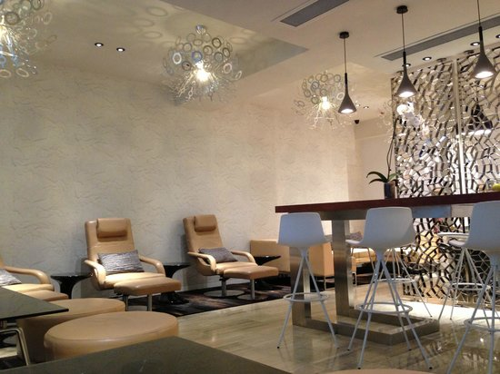 Ovolo Noho: The Lounge open to all Guests