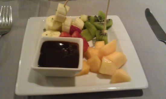 Alenti Restaurant: Fresh fruit chocolate fondue