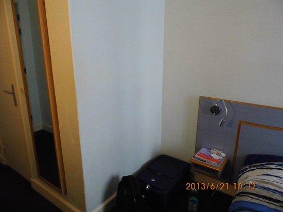 Hotel de Dieppe: room interior