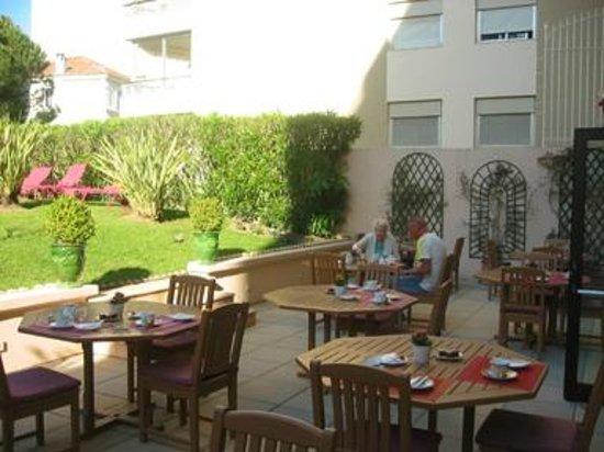 Sun Riviera Hotel: Al Fresco