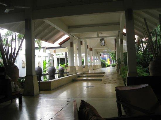 Sunshine Garden Resort: hotel entrance