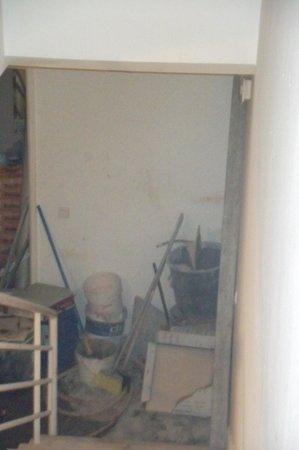 Hotel Cais da Oliveira: Baustelle vom Indoorpool