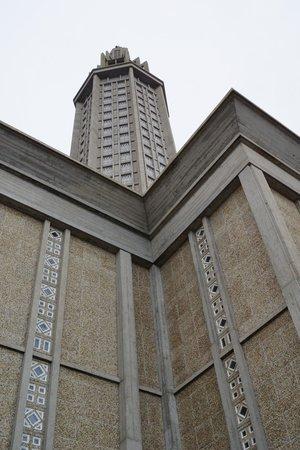 Église Saint-Joseph : extérieur