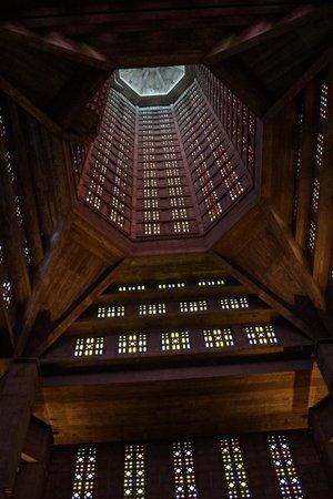 Église Saint-Joseph : intérieur