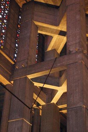 Église Saint-Joseph : détail intérieur