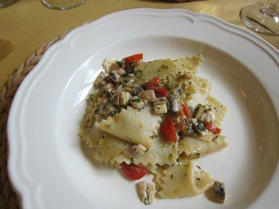 Osteria Picciarello, Pasta Anchovy