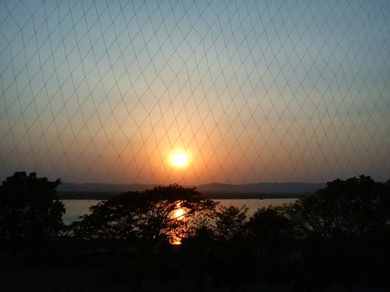 Ayarwaddy River View Hotel: Sunset view from room