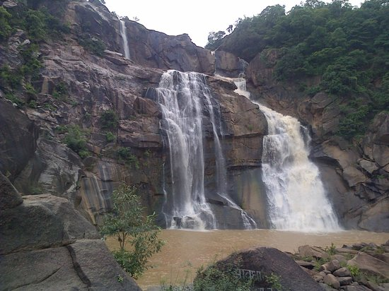 Ranchi, India: hundru fall