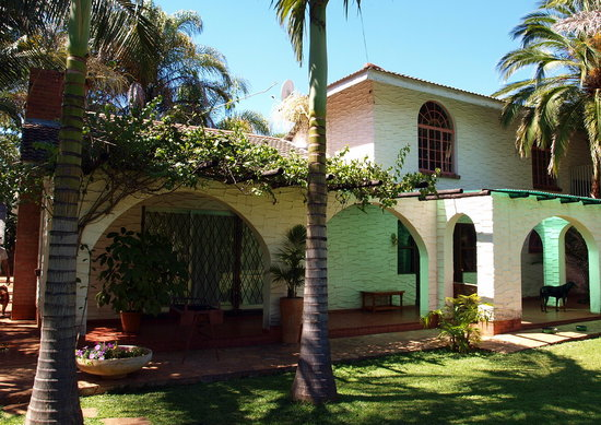 The guest house khumalo bulawayo zimbabwe guesthouse for Guest house cost