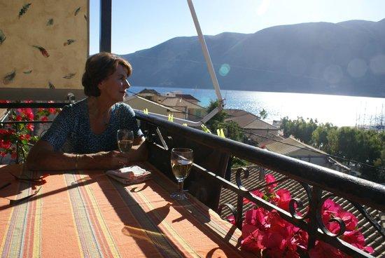 Vasiliki Blue: Uitzicht vanaf balkon