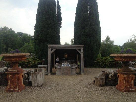 Landhuishotel & Restaurant De Bloemenbeek: Ourdoor kitchen