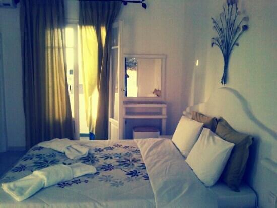 Glaronisia Hotel: εδω σε ενα καταπληκτηκο δωματιο ειμουν με την κοπελα μου