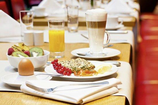 โมเวนพิคโฮเต็ล เบอร์ลิน: Mövenpick breakfast