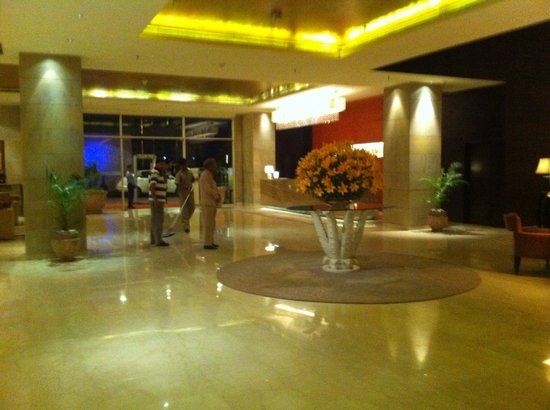 Hotel Royal Orchid, Jaipur: The reception area