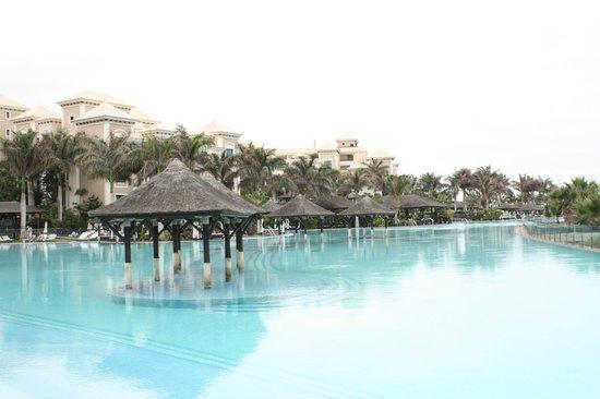 Gran Melia Palacio de Isora Resort & Spa: Infinity pool