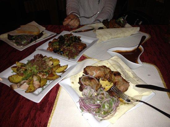 """Hotel-Restaurant Complex """"Aivengo"""" : Cena al ristorante"""