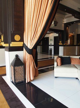 Hotel & Ryads Barriere Le Naoura Marrakech: elegant lobby