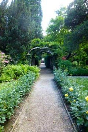 Parkhotel Laurin: Hotelgarten
