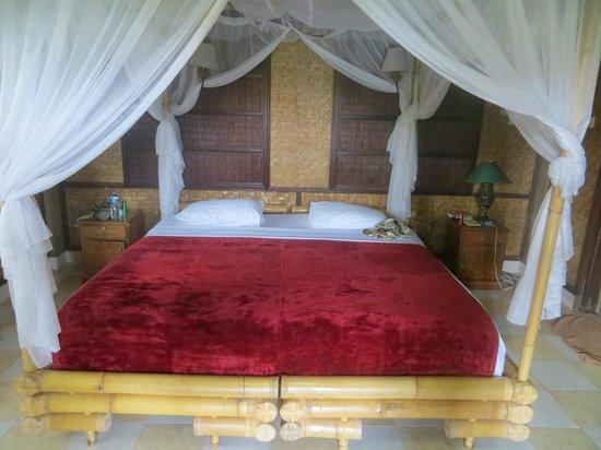 Cendana Resort and Spa: room had a real bali feel