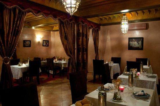 Dar Ilham: Salle à manger