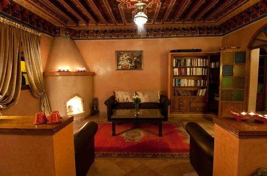 Dar Ilham: bibliothèque