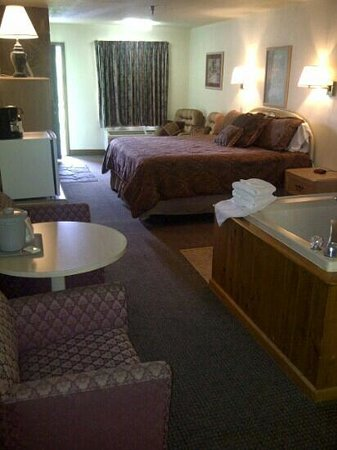 Valley Forge Inn: jacuzzi suite