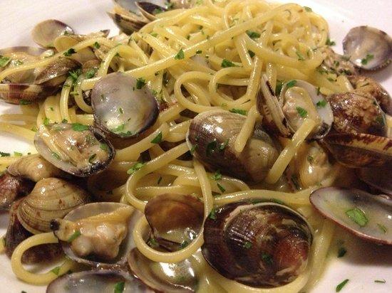 Osteria La Gensola : linguine alla vongole