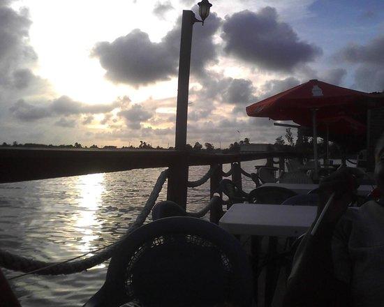 Sunset at Bird's Isle Balconny