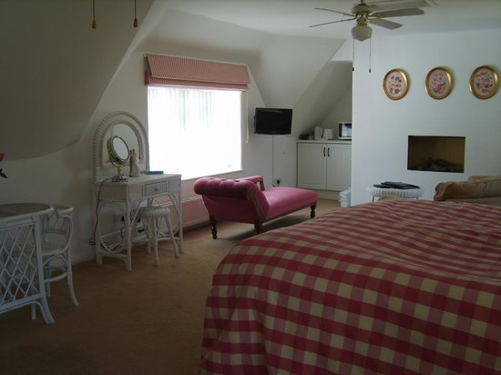 Meadow Cottage Bed & Breakfast: The Honeymoon Suite in The B&B