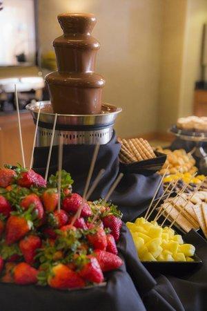 Hampton Inn & Suites Murfreesboro: Weekday Guest Appreciation Reception