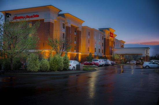 Hampton Inn & Suites Murfreesboro: Award Winning Hotel