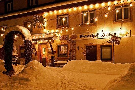 Hotel Adler: Der Gasthof im Winter