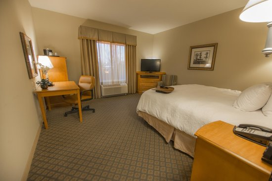 Hampton Inn & Suites Murfreesboro: Comfortable Beds - Just Like Home!