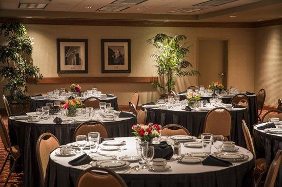 Hampton Inn & Suites Murfreesboro: Professional Banquet Services