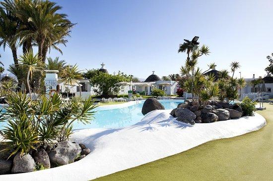 Bungalows Parque Romantico: Pool Area