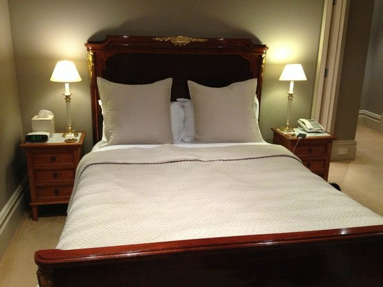 Grand Vue Private Hotel: Very comfy bed