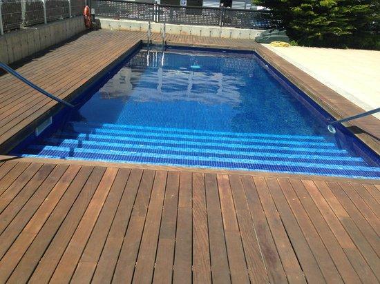 Apartamentos Salou Center: Pool