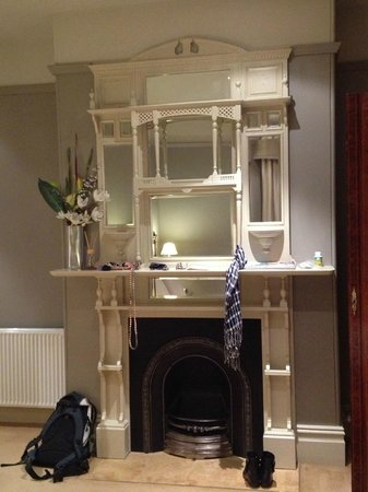 Grand Vue Private Hotel : A rather charming fireplace