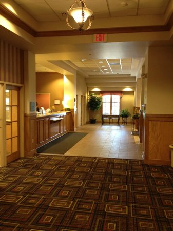 Holiday Inn Chicago-Tinley Park-Convention Center: Front Desk